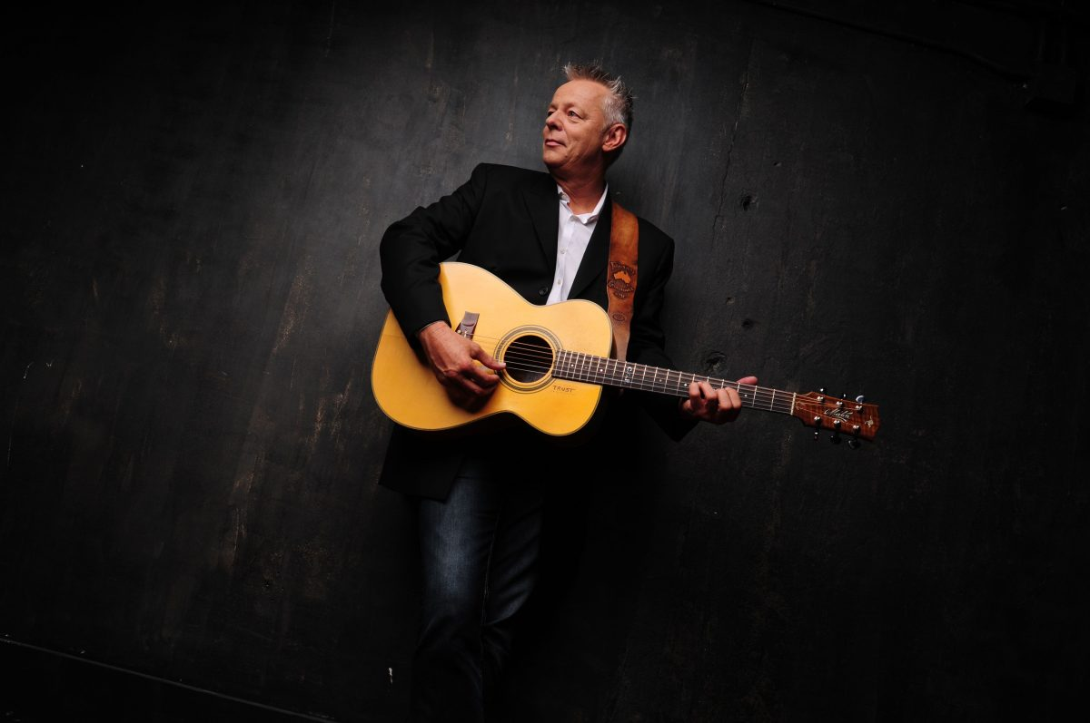MBR_ARTIST_PAGE_FEATURED_TOMMY_EMMANUEL3